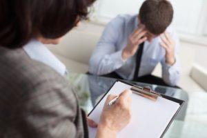 Какие вопросы ставятся эксперту при назначении судебно-медицинской экспертизы?