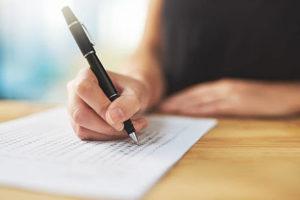 Как проводится почерковедческая экспертиза подписи?
